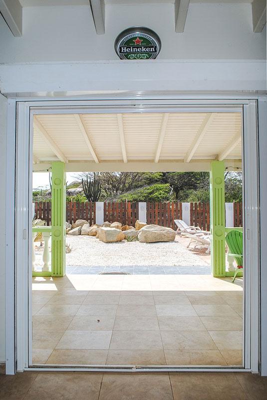 Vakantiehuis Aruba Villa La Granda - Zicht naar buiten